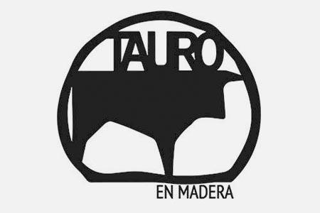 Tauro en Madera